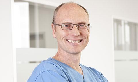 Dr. Dominic Li, Family Doctor, Toronto, ON